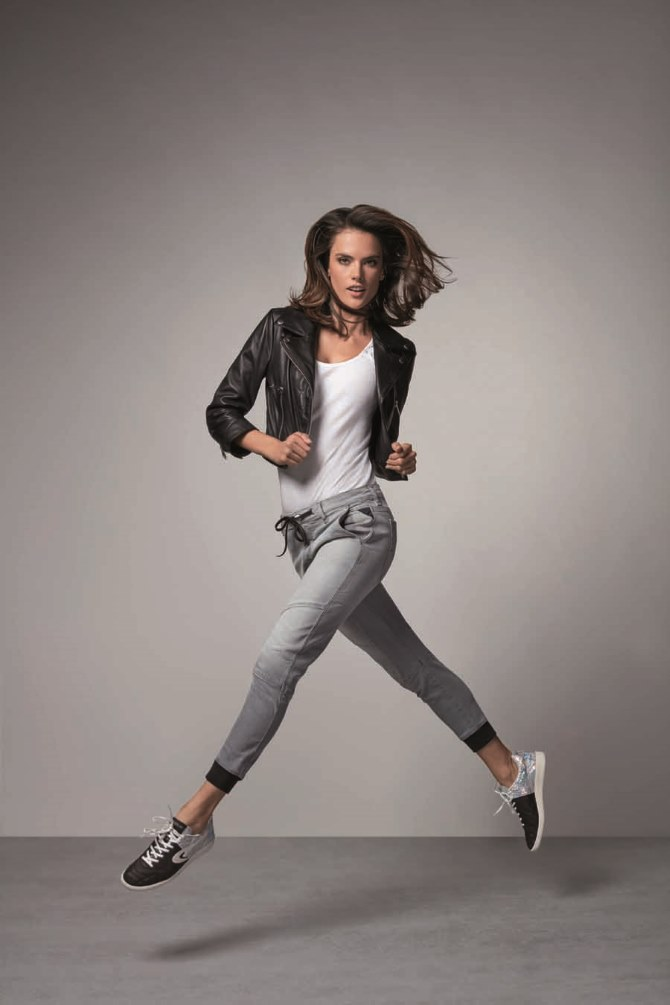 Alessandra Ambrosio za Replay Hyperfree