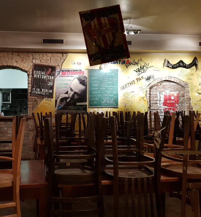 Istočni dijelovi grada prepuni su barova i klubova s izaženom socijalističkom notom