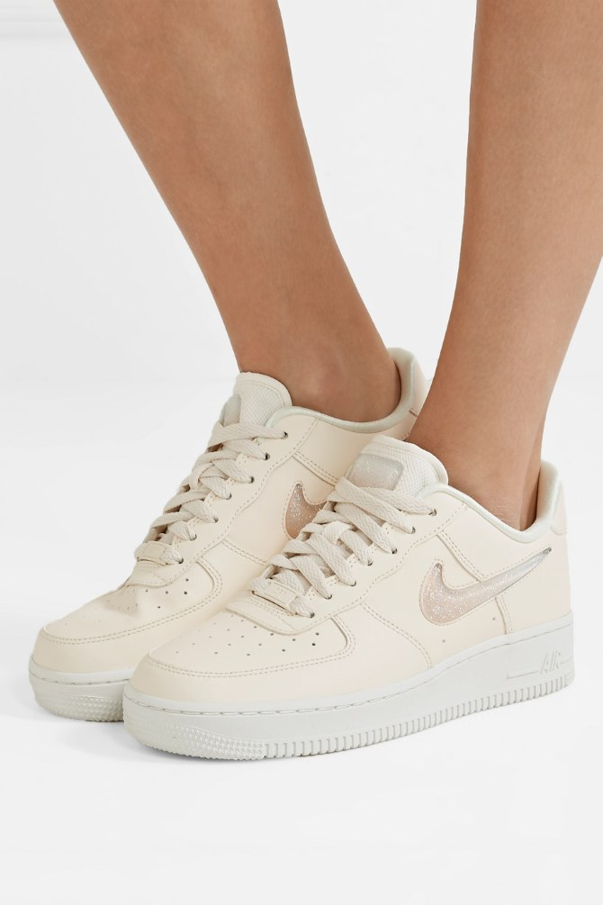 Nike Air Force 1 '07 LX | Foto: Net-a-porter