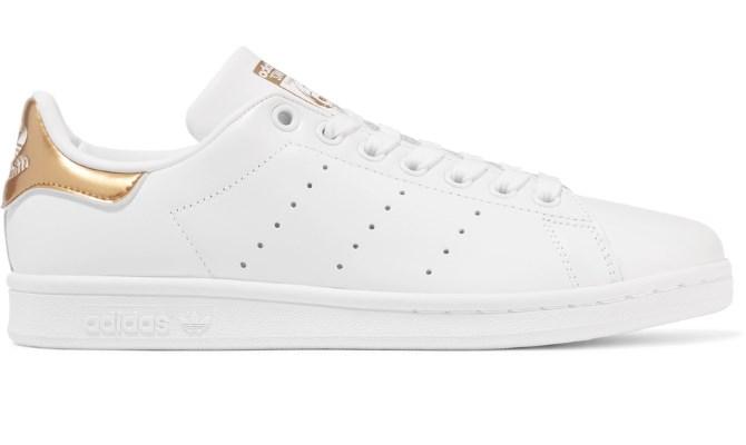 Streetwear hit iz adidasa: Bijeli Stan Smith sa zlatnim detaljima - Cipele - ...