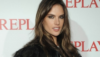 Replay: Alessandra Ambrosio i Sara Sampaio na otvorenju The Stagea